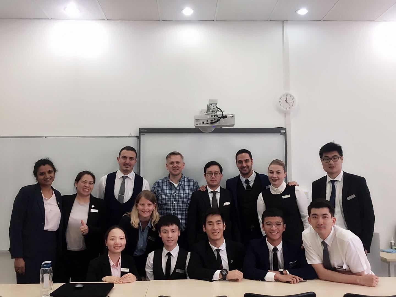 宜家中国的客户体验经理卡尔先生走进校园